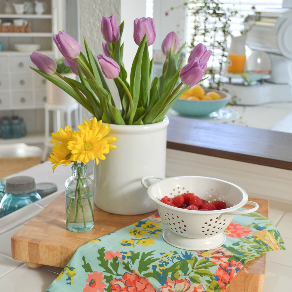 Spring Decorating: Simple Spring Decorating