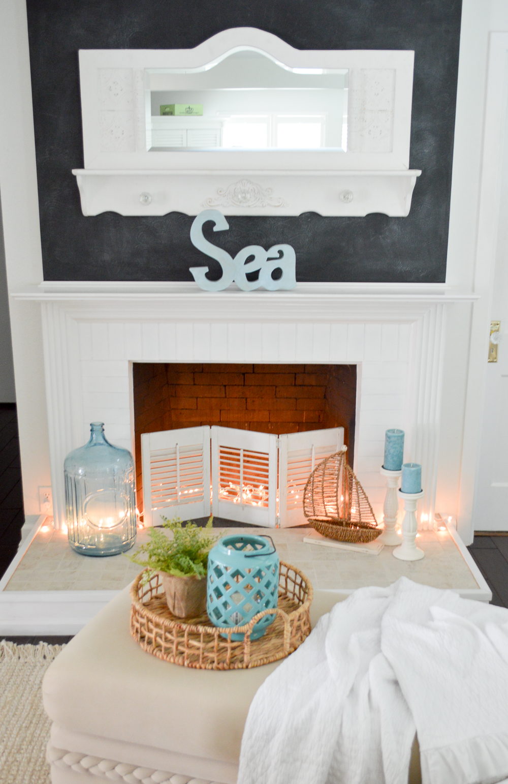 I'm bringing aqua back to my cottage home, for an airy coastal feel. Aqua Blue Cottage Home Decorating Ideas at Fox Hollow Cottage blog - www.foxhollowcottage.com