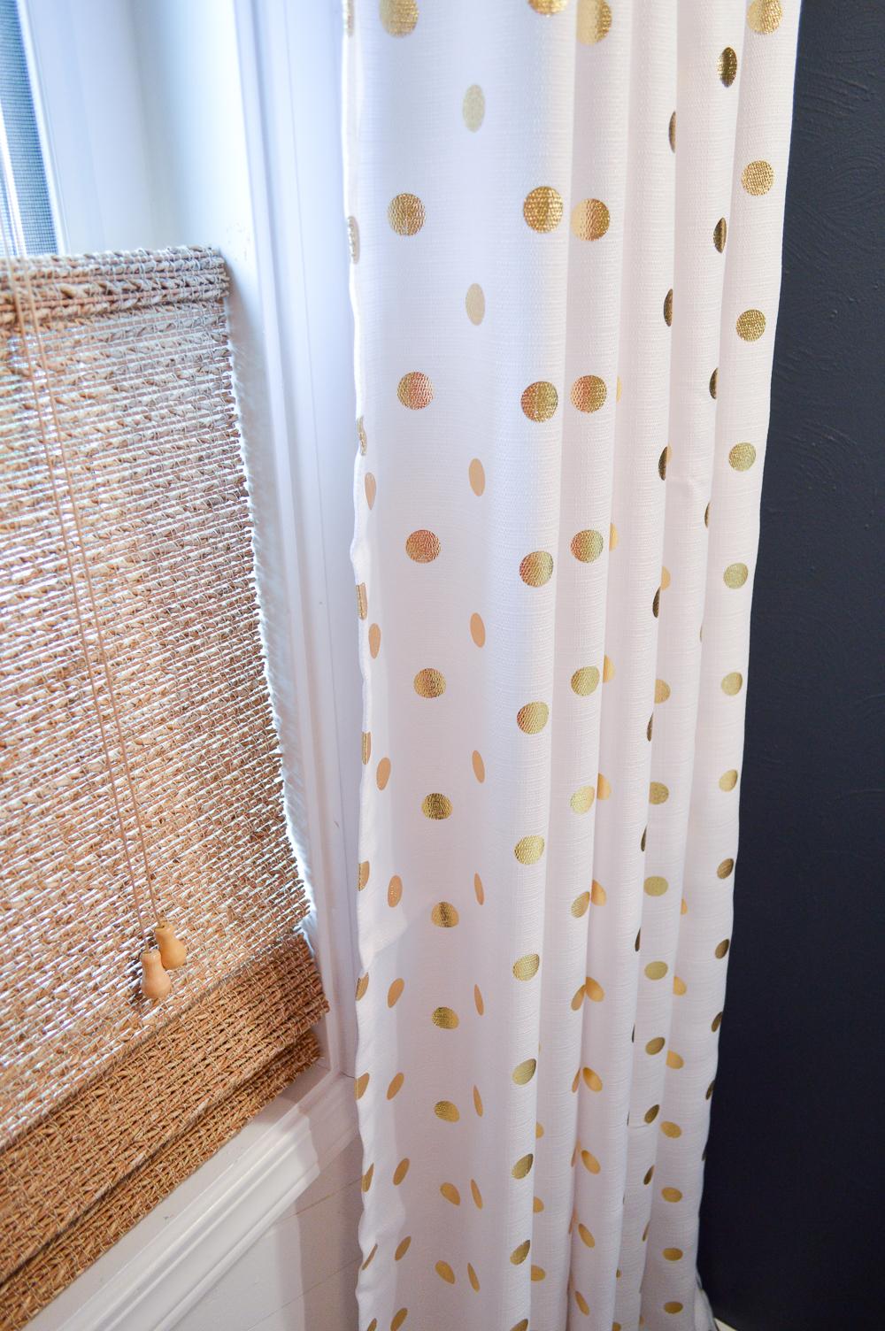 Aqua Summer Bathroom Refresh - Navy walls, textured woven blinds, gold/white metallic polka dot curtain drapery panel. #sponsored