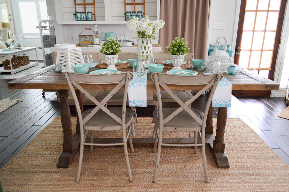 Summer Farm Table Decorating Ideas