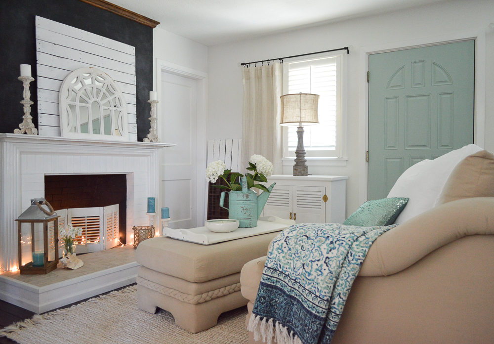 Summer at the cottage, www.foxhollowcottage.com - Coastal mix home decorating ideas, aqua painted door