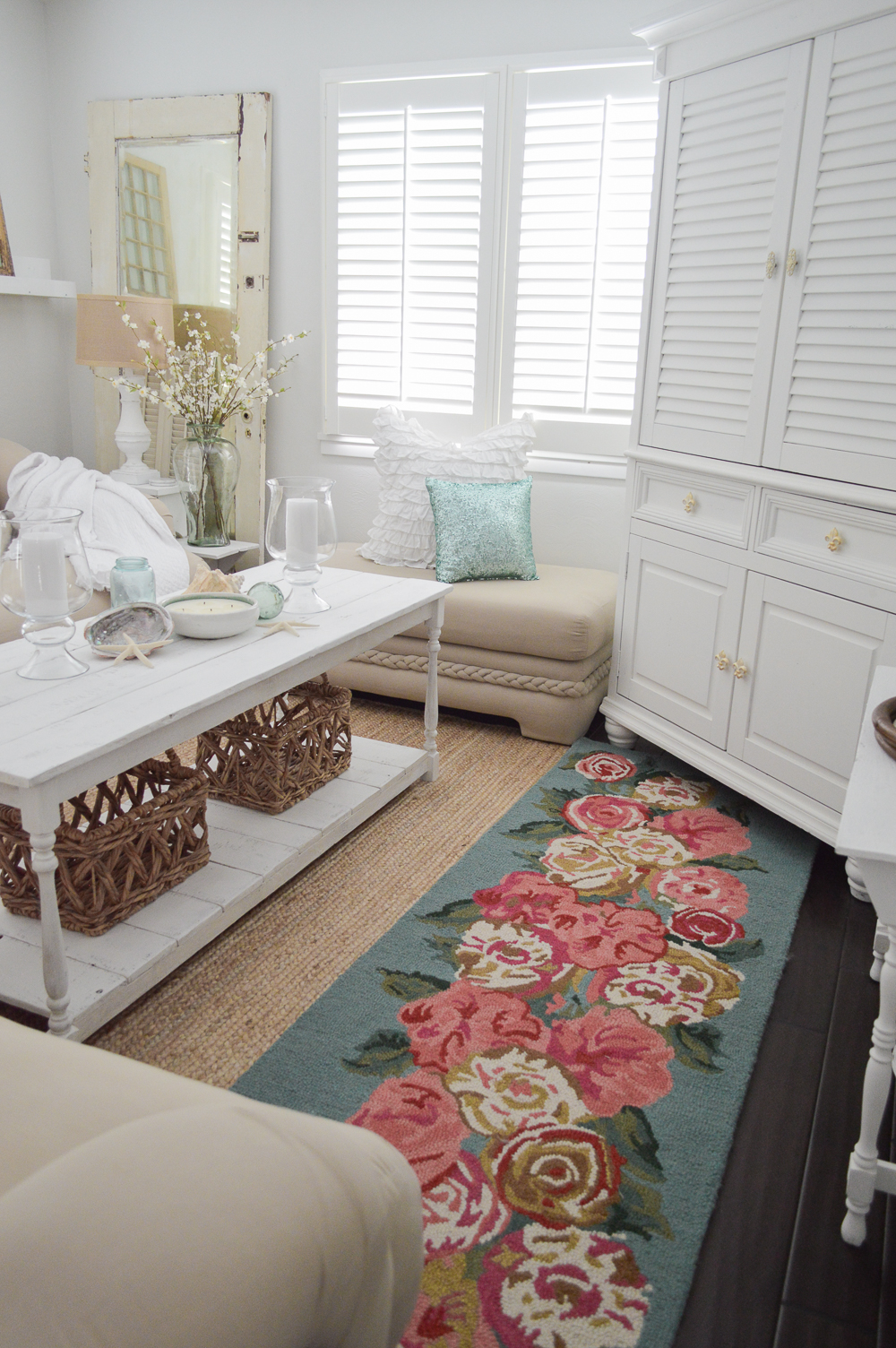 Coastal cottage mix with vintage and shabby white painted furniture
