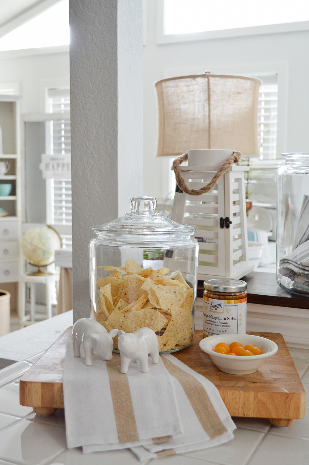 Simple Summer Decorating Ideas and Home Tour - because everyone likes chips and salsa.