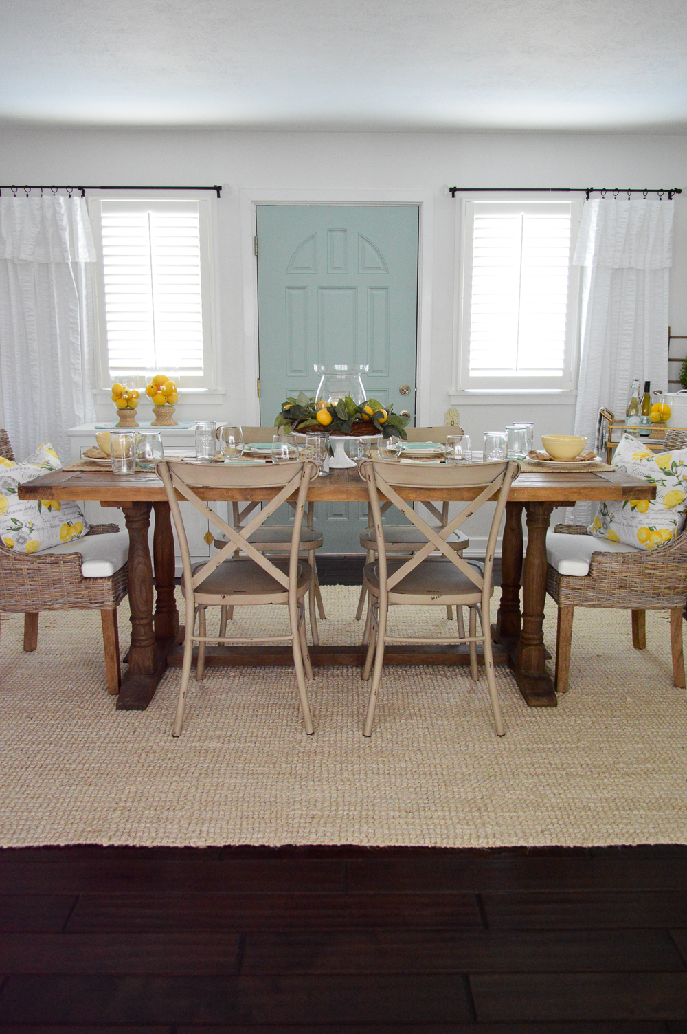 Farm table setting tablescape ideas with simple centerpiece solutions!