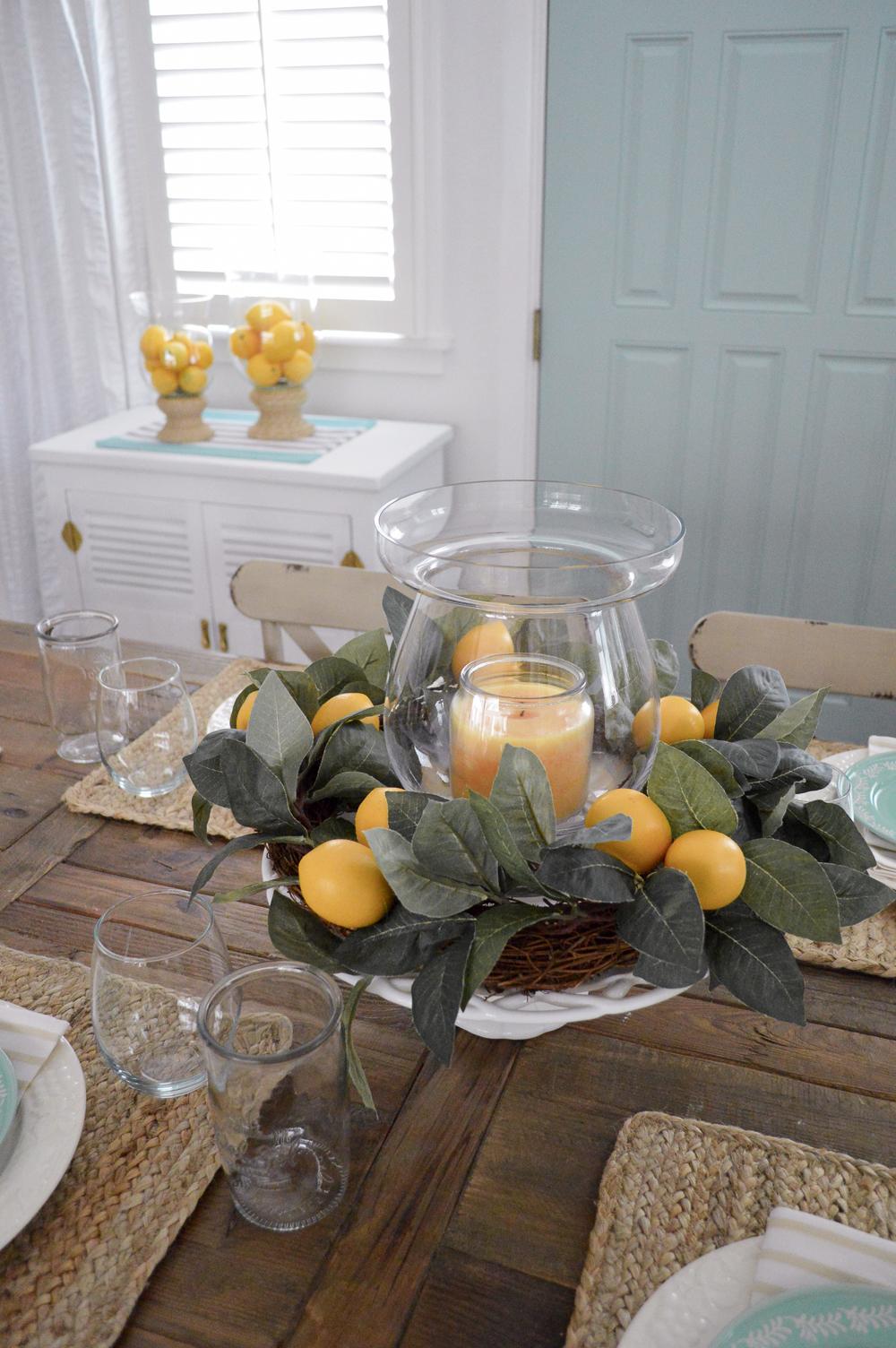 Easy Lemon Centerpiece Decorating Ideas