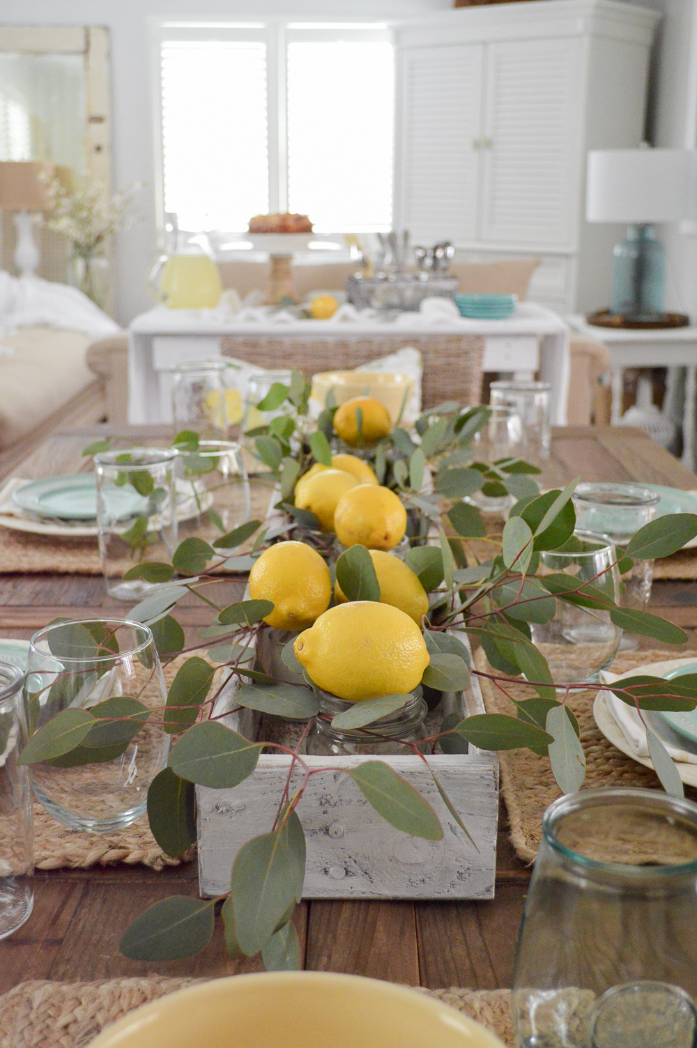 fresh lemon summer tablescape ideas