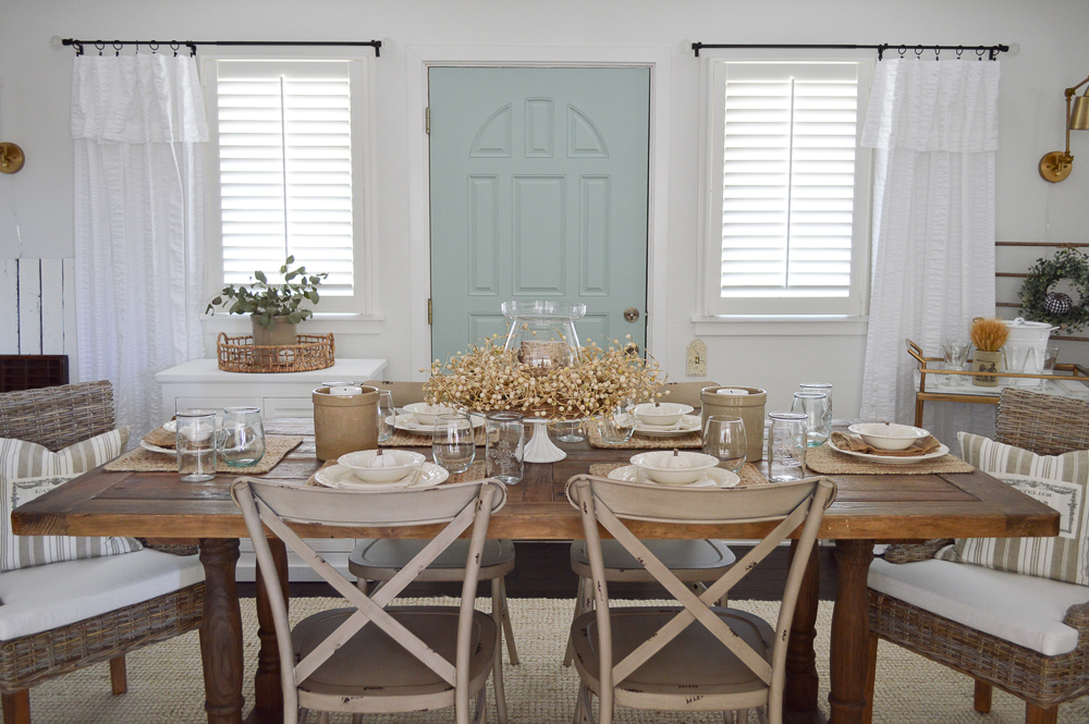 Simple Decorating Ideas to Transition from Summer to Fall - cottage farmhouse farm table dining room
