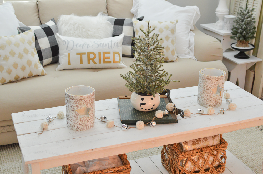 Calm Cozy Christmas Living Room - Fox Hollow Cottage