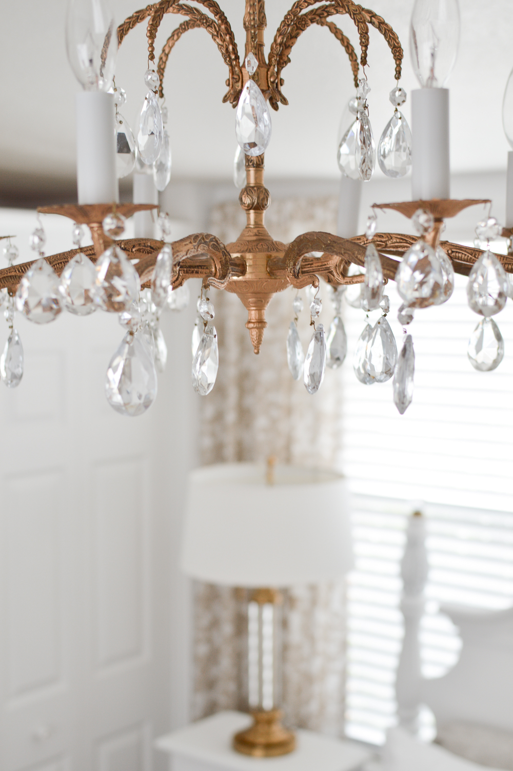 How To Pick The Perfect Lighting - Light Fixture Guidelines & Tips at www.foxhollowcottage.com #sponsored with Lamps Plus