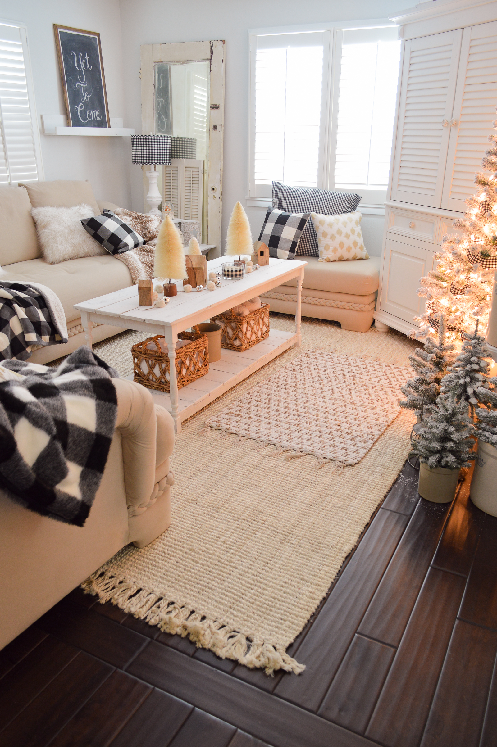 Cozy Cottage Winter Living Room Decorating Ideas - Fox Hollow Cottage