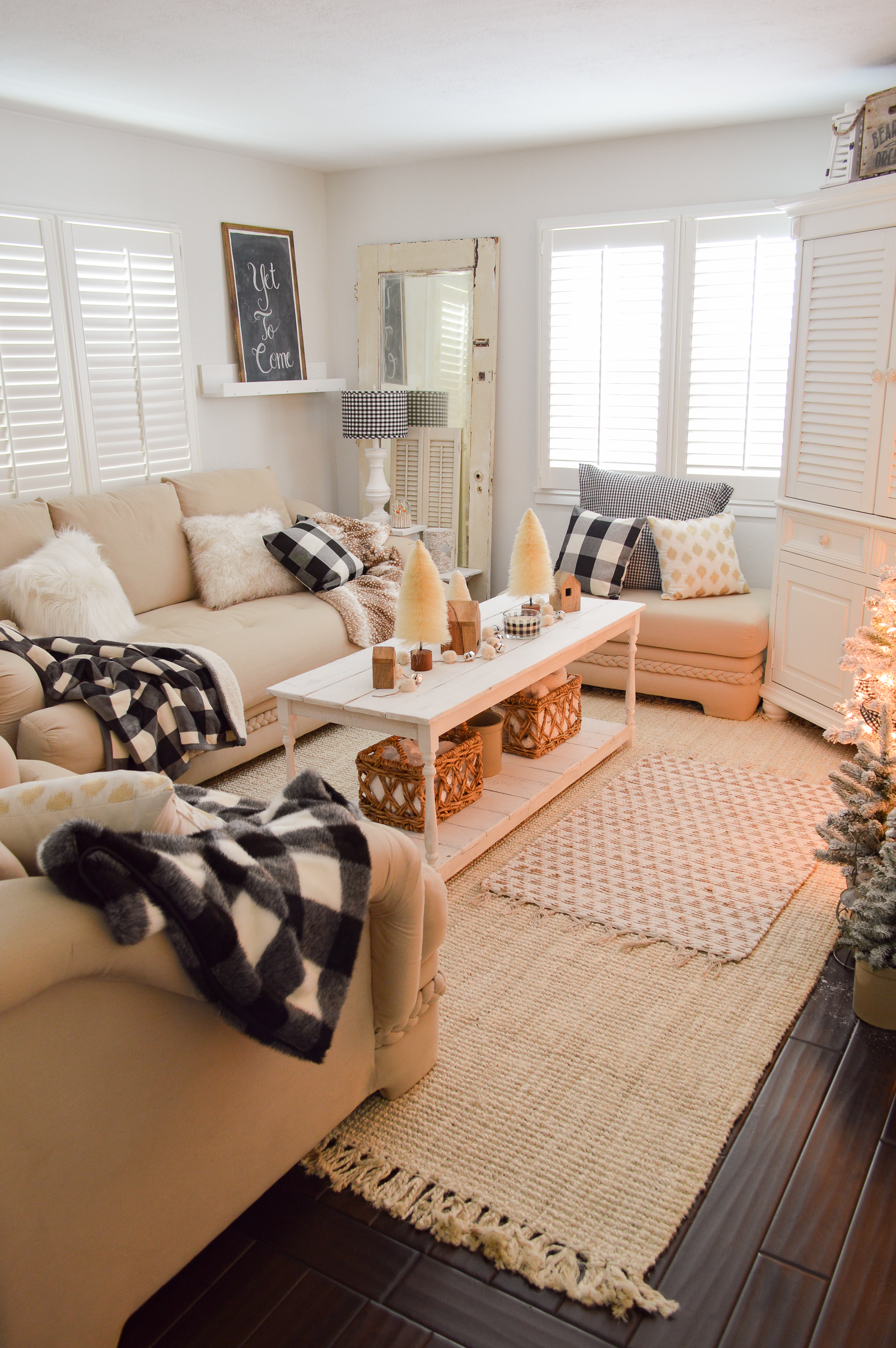 High Quality Cozy Cottage Winter Living Room Decorating Ideas