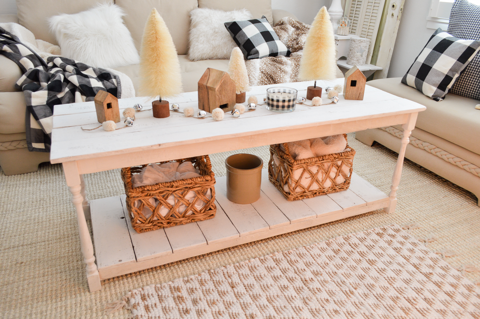 Cozy Cottage Winter Living Room Decorating Ideas