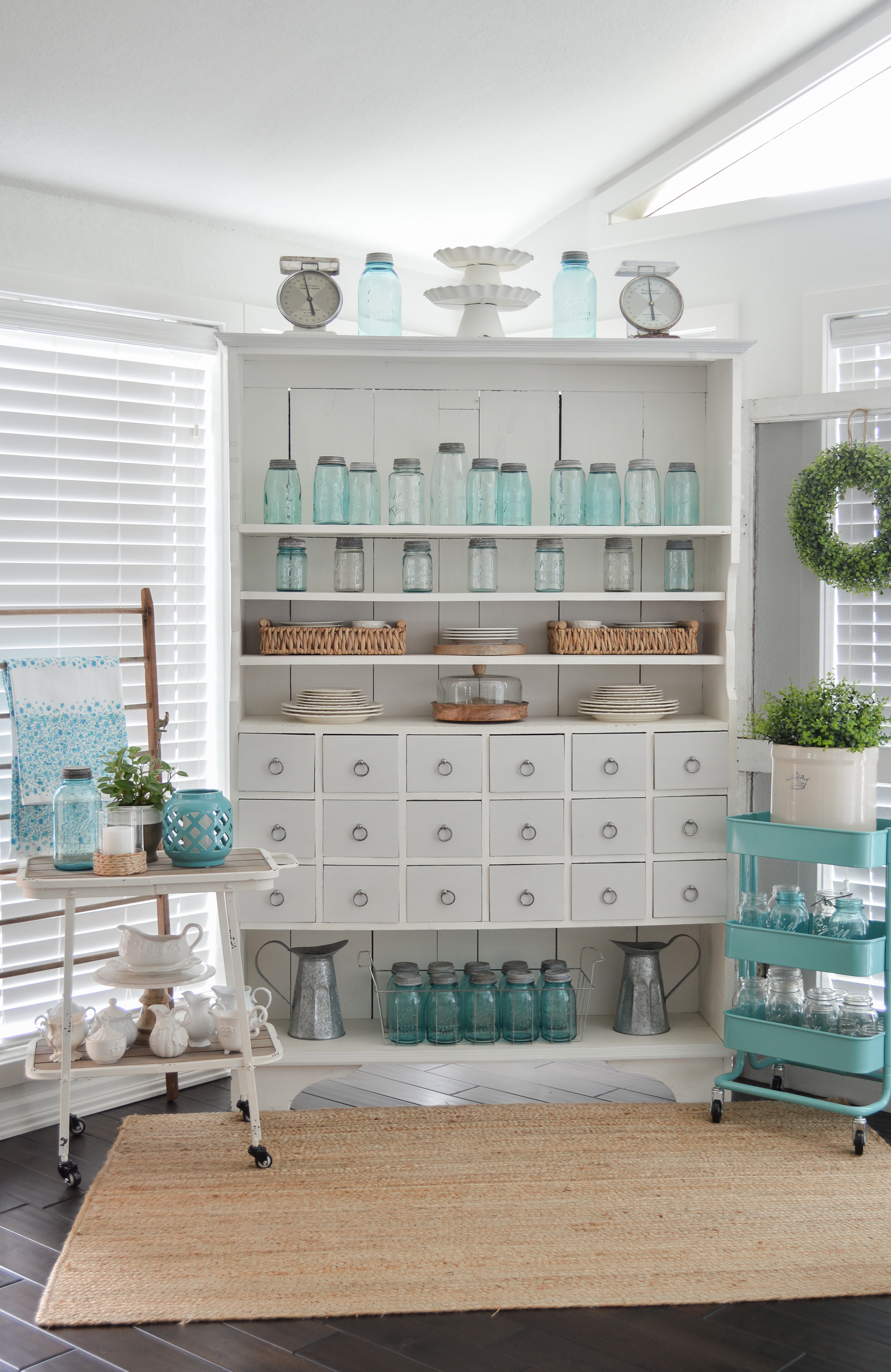 Farmhouse Style Decorating with Color - Fox Hollow Cottage