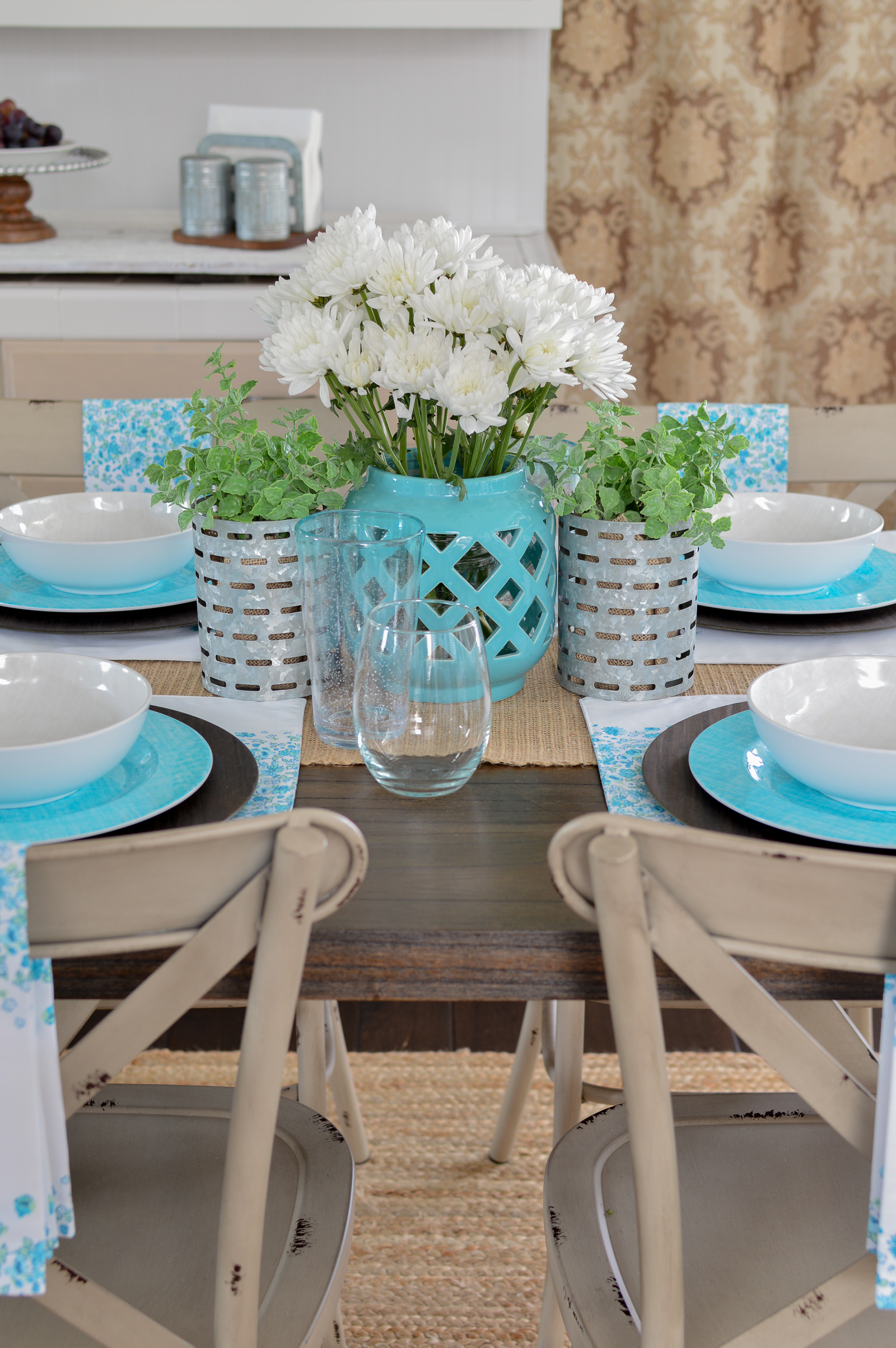 Farmhouse Style Decorating with Color | Easy ideas for adding color to neutral decor, featuring Better Homes & Gardens good, found at Walmart! Affordable cottage farm house dining table #sponsored