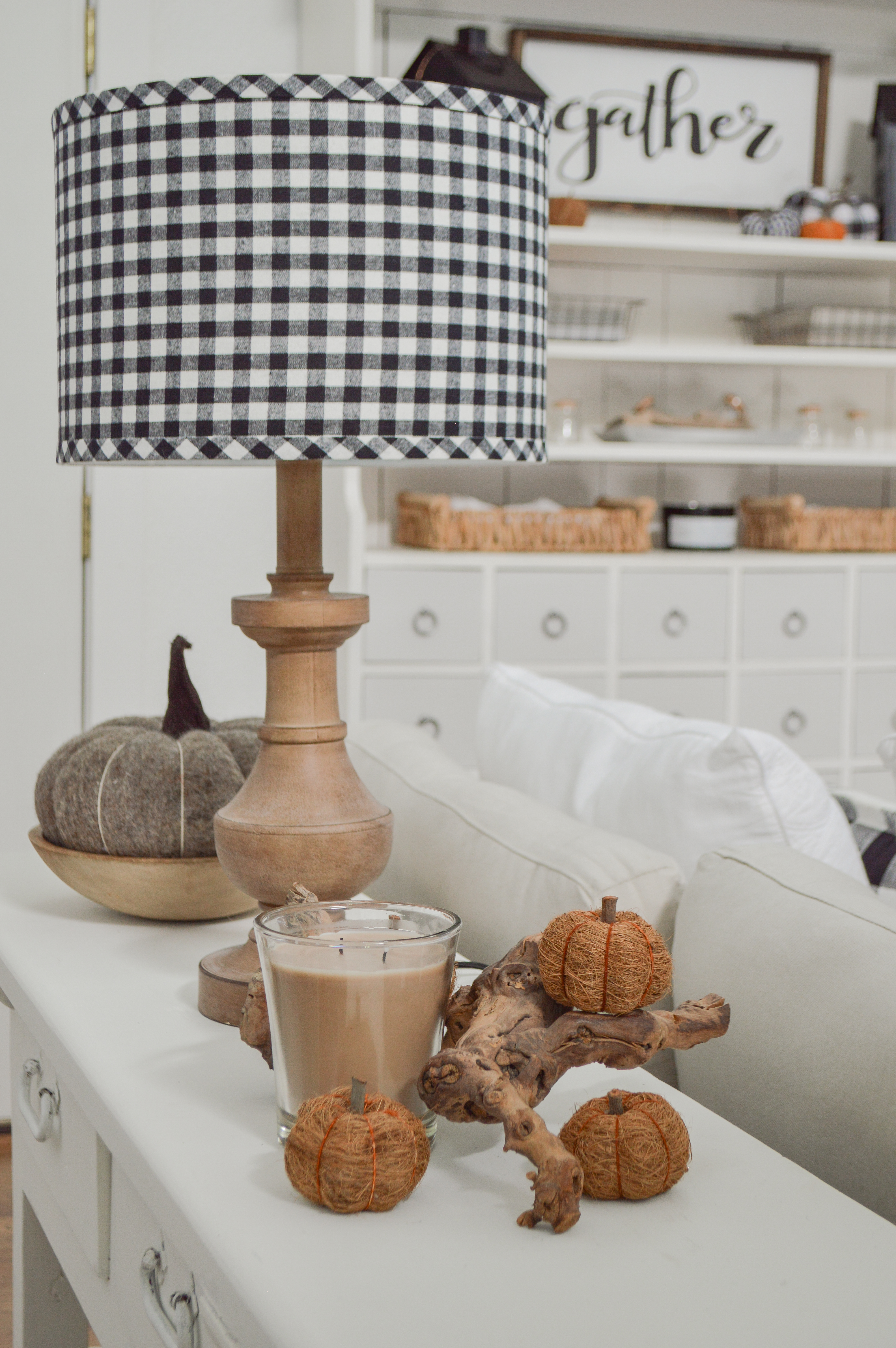 Black White And Neutral Cozy Fall Home Decorating Ideas