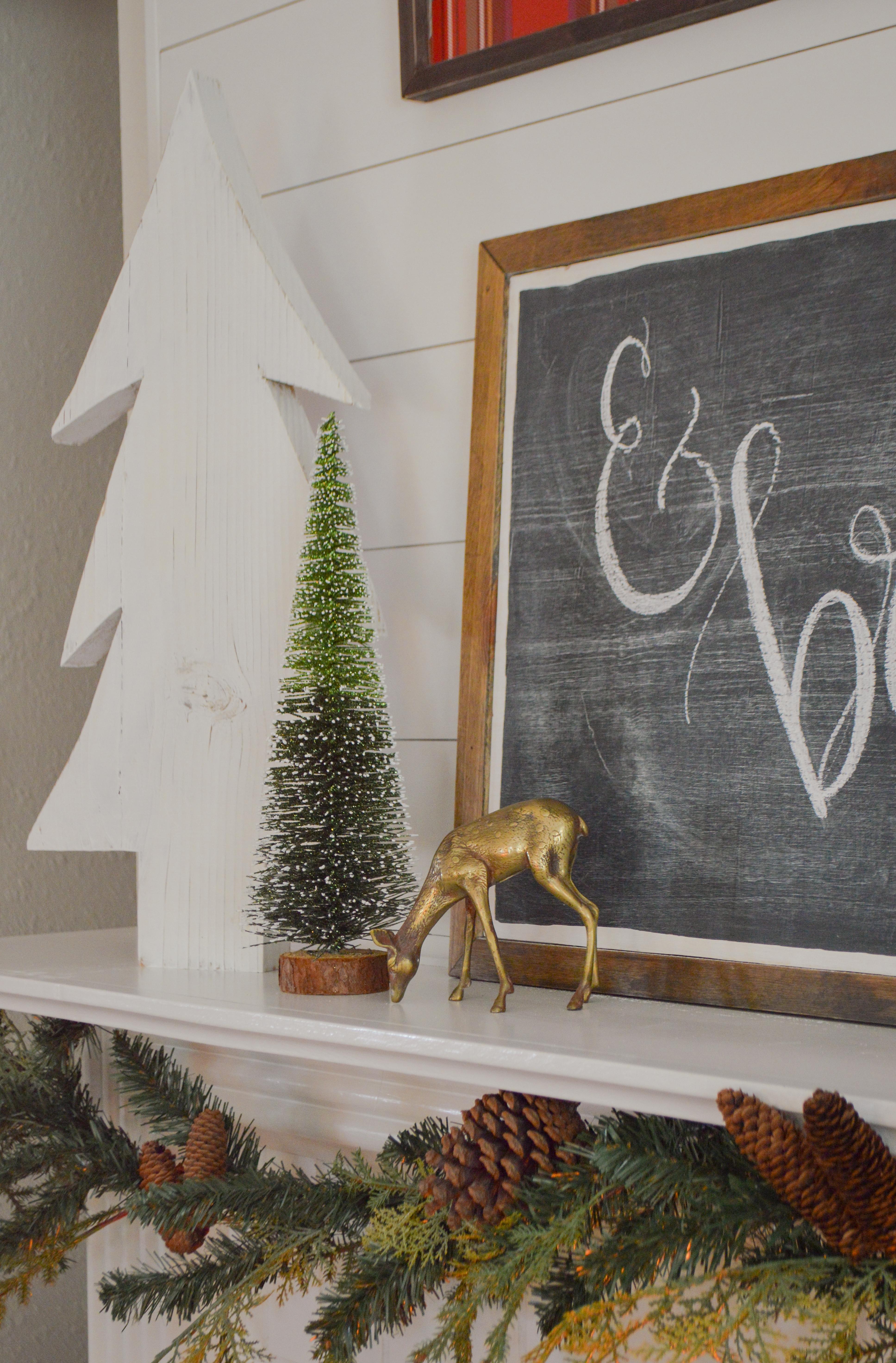 Holiday Housewalk Merry Christmas Home Tour - Fireplace decorating ideas, DIY wood trees, vintage brass deer, bottlebrush trees. #holidayhousewalk #christmashometour #cozychristmas #cottagechristmas #farmhousechristmas